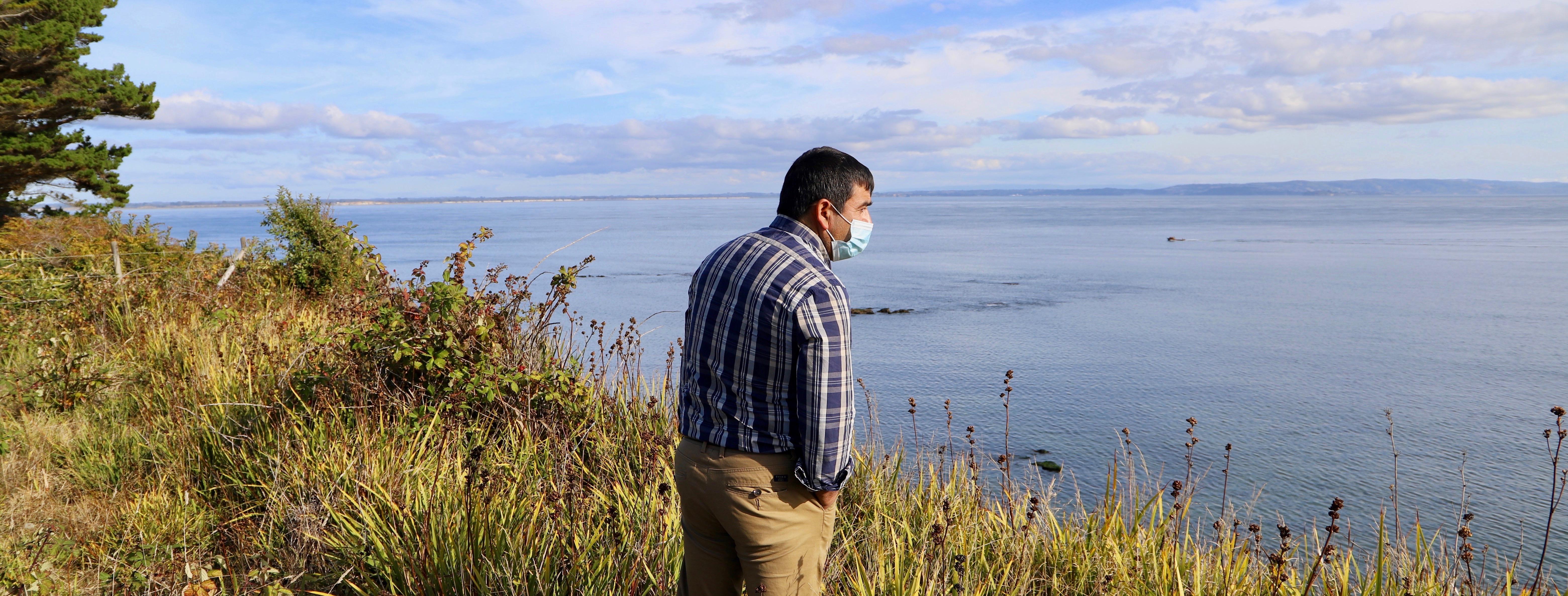 """José Molina-Hueichan monitoring """"Los Corrales"""" beach at Carelmapu"""